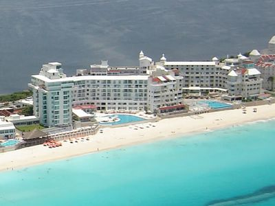 Overhead view of Cancun Plaza - On the right