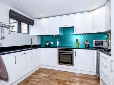 Photo for The Tolkien - Spacious modern apartment in the City centre