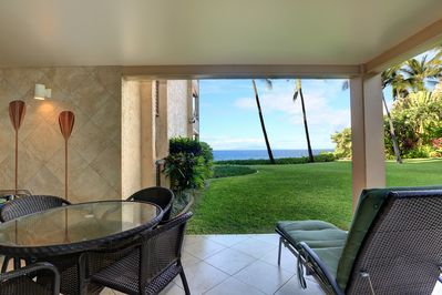 Relax on the lanai and enjoy the beautiful ocean views!