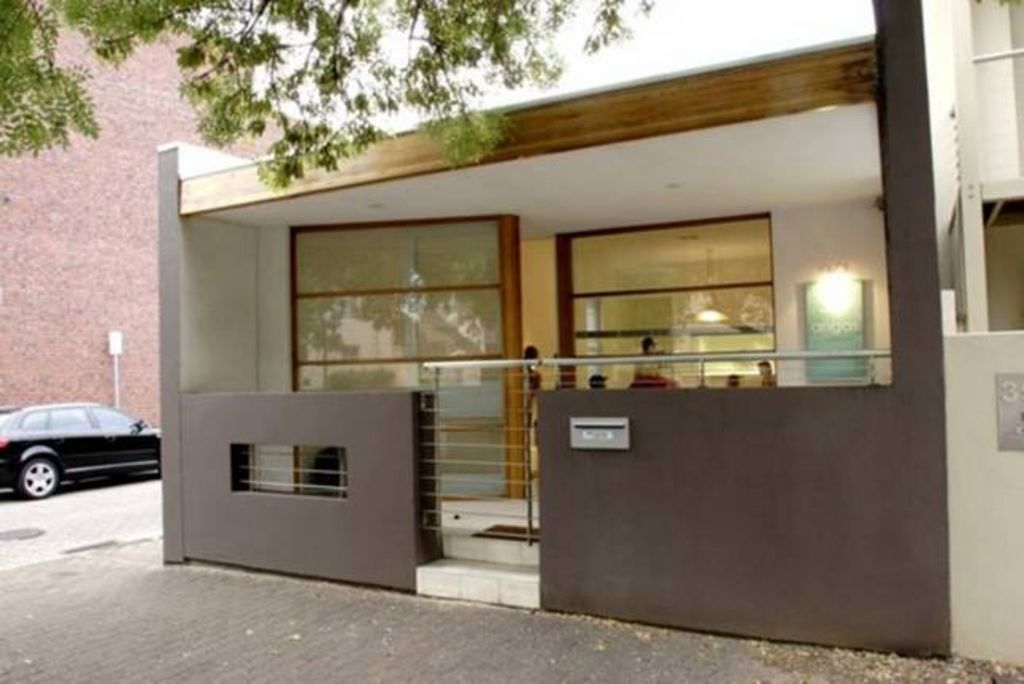 Adelaide Accommodation - The Angas