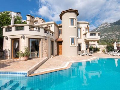 Photo for Delightful Luxury Villa With Private Pool And Views Over Kalkan