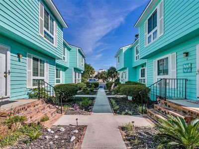 Book Your Next Vacation! Townhome on Golden Mile; Short Walk to the Beach.