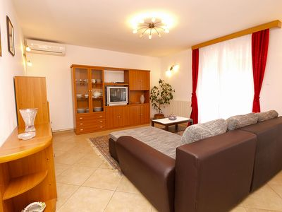Photo for Apartment for 6 persons + extra bed and 3 bedrooms (ID 1720)