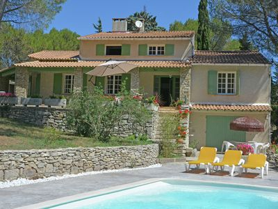 Photo for Palatial and luxurious villa with air conditioning near Beaucaire, very close to Pont du Gard