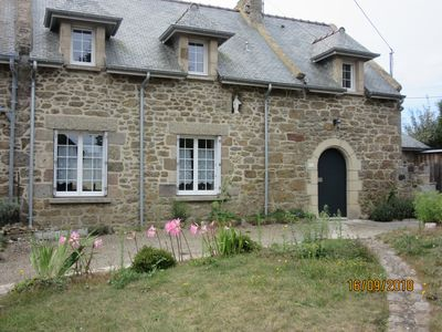 Photo for Comfortable stone house with large garden -Sea view- Plage du Pont-3 Bedrooms