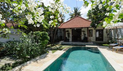 QUIET, PEACEFUL 2 BDRM VILLA WITH GARDEN AND POOL. FANTASTIC VENUE FOR FAMILIES.