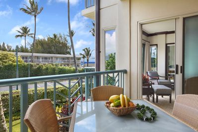 C201 Lanai Outside Dining