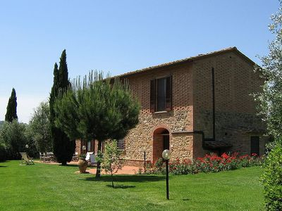 Photo for Villa Vesta: A splendid two-story villa in the characteristic style of the Tuscan countryside, with Free WI-FI.