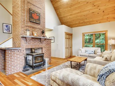 Photo for Contemporary, three level living, open floorplan, close to Mountain Road