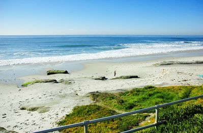 Cozy and Affordable 1 Bedroom Apt. , Sleeps 4 ,1 Block from Beach!