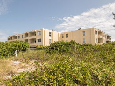 Photo for Beautiful 2BR 2BA Adjacent to Beach, Large Pool, WIFI