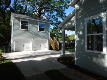 Detached apartment above garage behind a newly constructed downtown Orlando home