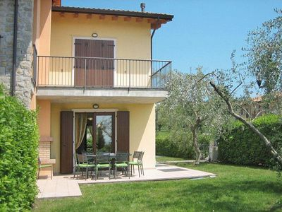 Photo for 4 bedroom Apartment, sleeps 8 in Bardolino with Air Con and WiFi