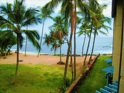 Photo for Kona Reef Condo on Beach with Ocean View, Wifi, King bed & Elevator