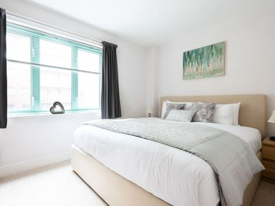 Photo for Stunning 2bed1bath Apartment in West London 9955