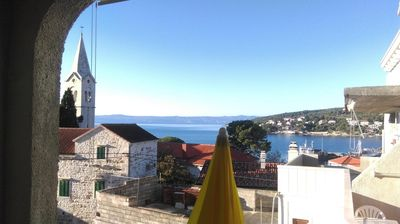 Photo for One bedroom apartment with balcony and sea view Sumartin, Brač (A-13285-a)