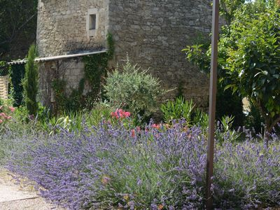 Photo for Stunning 4 bedroom mas in the Luberon