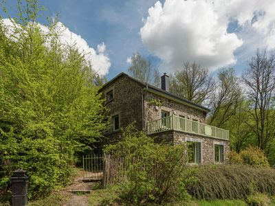 Photo for Beautiful holiday home with whirlpool and sauna, situated along the woods