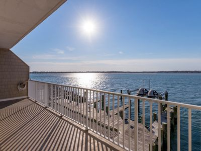 Photo for Luxury condo with amazing bay front view