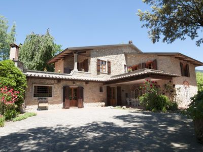 Photo for Amazing countryside villa with private pool in Tuscany between Arezzo & Florence