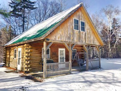 Living Water Campground - Moose Cabin: rustic accommodations in a fantastic location, 5 minutes from Bretton Woods. Onsite restaurant and store, playground, pool! COVID SPECIAL RATES AND POLICIES IN EFFECT