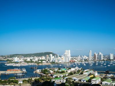 Photo for Stunning View Apt  at H2/ HYATT walking distance to Old Town Cartagena