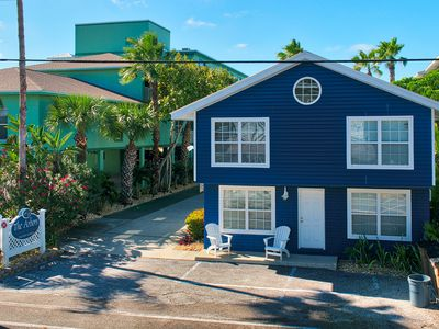 Photo for The Lodge:2 Story Sleeps up to 8* Beach front pavilion* heated pool