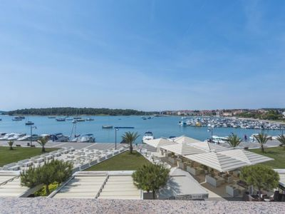 Photo for Apartment Riva in Medulin - 4 persons, 1 bedrooms