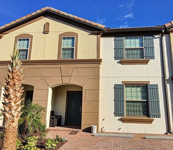 Photo for Geneve Paradise- 5 bedroom townhome in resort community