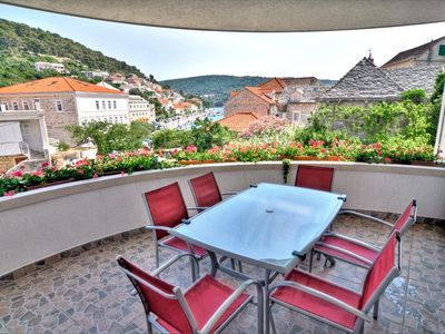Photo for Holiday apartment for 5+1 persons close to the sea on Brac