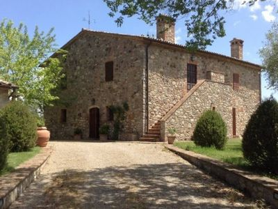 Photo for 4 bedroom Villa, sleeps 8 in Stabbiano di Sotto with Pool and WiFi