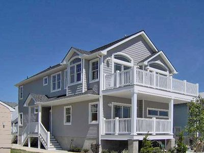 Photo for GREAT LOCATION!  Lovely, 4 bedroom upside down home close to town and beach