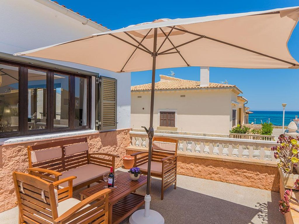 Quiet natural beach terrace with sea views and 2405014 for Natural terrace