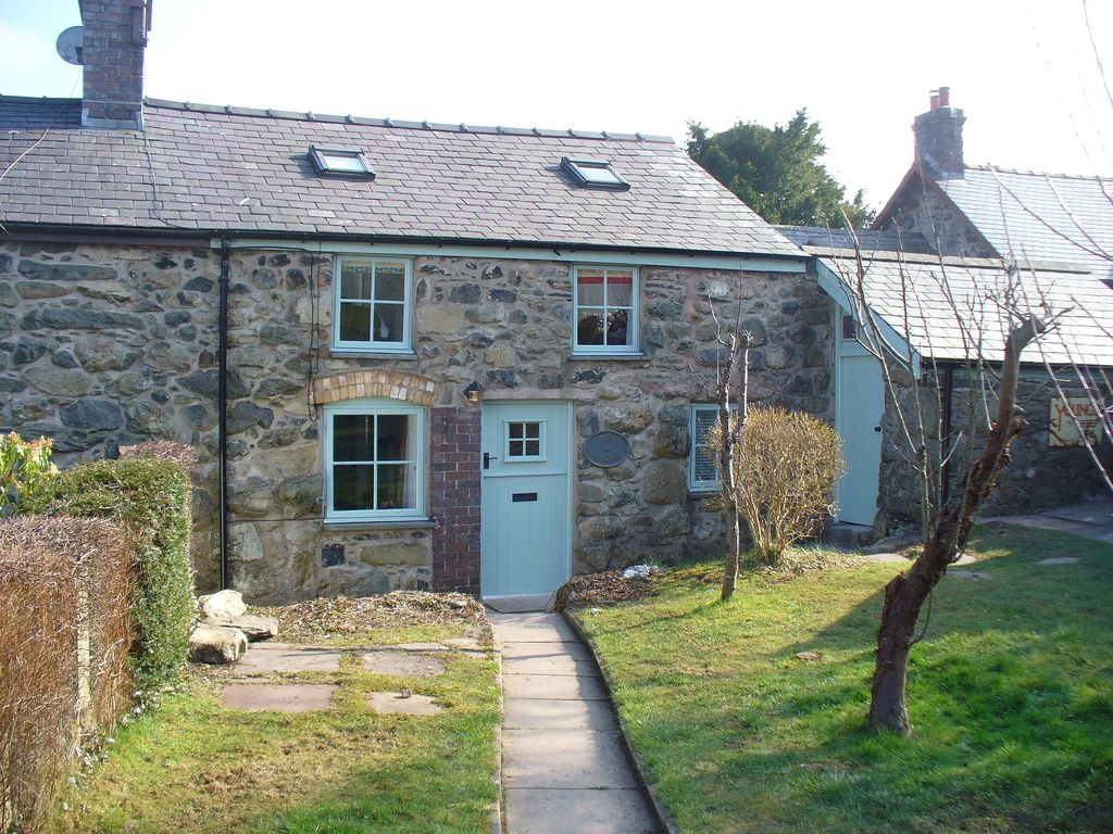 W2437 Stone Cottage In Snowdonia Woodburner Pet Friendly