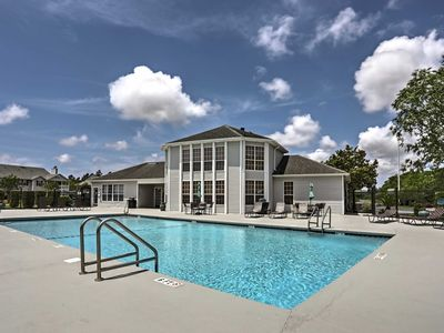 Photo for Gulf Shores Condo w/Pool & Grill - 10 Min to Beach