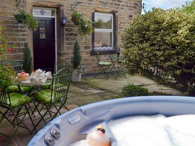Photo for 3 bedroom property in Holmfirth. Pet friendly.