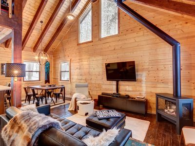 Photo for Private Wired Cabin, new Hot Tub
