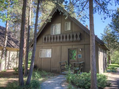 Photo for Family Chalet, walk to Truckee River (CYH0820)