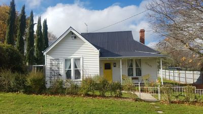 Photo for Canary Cottage Daylesford