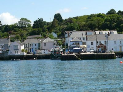 Photo for Watch The Boats From The Sitting Room In This Pretty Cornish Cottage