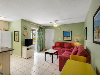 Photo for Cozy Condo just steps from the Gulf and Eastern Lake!!
