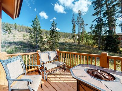 Photo for Gorgeous home in desirable area w/ deck, firepit & jetted tub - easily accessed!