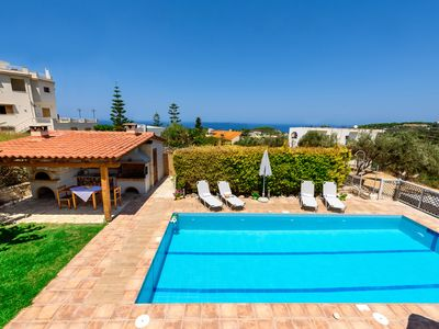 Photo for New 4bedroom villa, 2 bathrooms, pool, bbq, gym-table tennis  1,7km to the beach