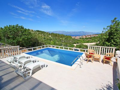 Photo for This 1-bedroom villa for up to 4 guests is located in Sutivan and has a private swimming pool and ai