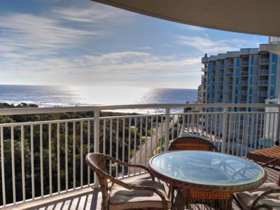 Beautiful condo with resort amenities such as indoor and outdoor pools, lazy river and more!