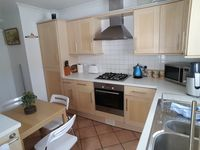 Convenient to center, great pub nearby, quiet street, well stocked kitchen.