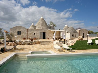 Photo for Traditional trullo, private HEATED pool with jacuzzi, wifi, table tennis, bbq
