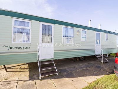Photo for Dog friendly caravan for hire in Norfolk at California cliffs ref 50003