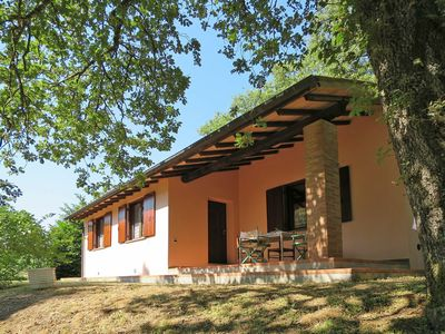 Photo for Nice apartment in villa for 4 guests with pool, WIFI, pets allowed and parking