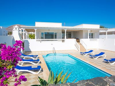 Photo for 3 bedroom Villa, sleeps 6 in Puerto Calero with Pool and WiFi